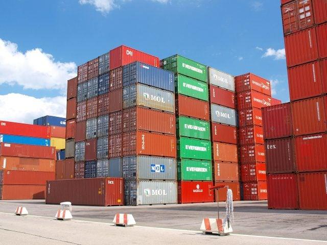 container-cargo-freight-harbor-640x480-1